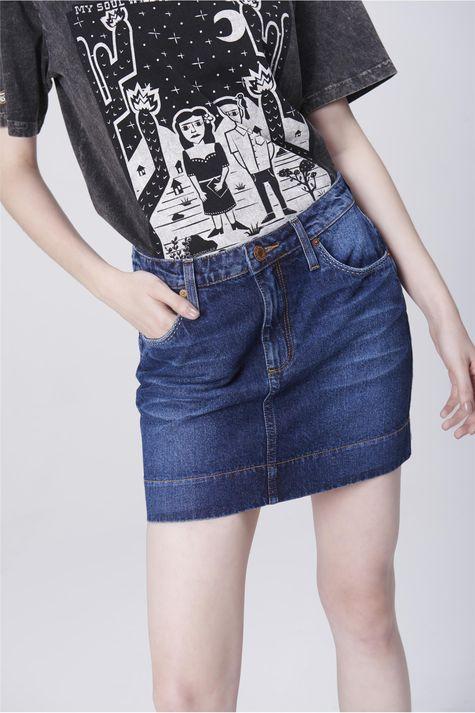 Saia-Jeans-Mini-com-Etiqueta-no-Bolso-Frente--