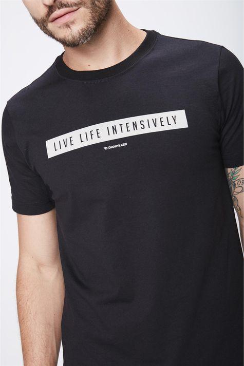 Camiseta-Masculina-Basica-Detalhe--