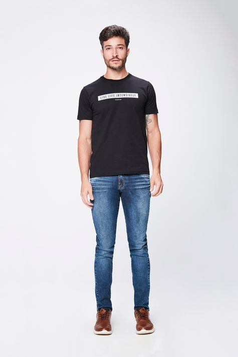Camiseta-Masculina-Basica-Detalhe-1--