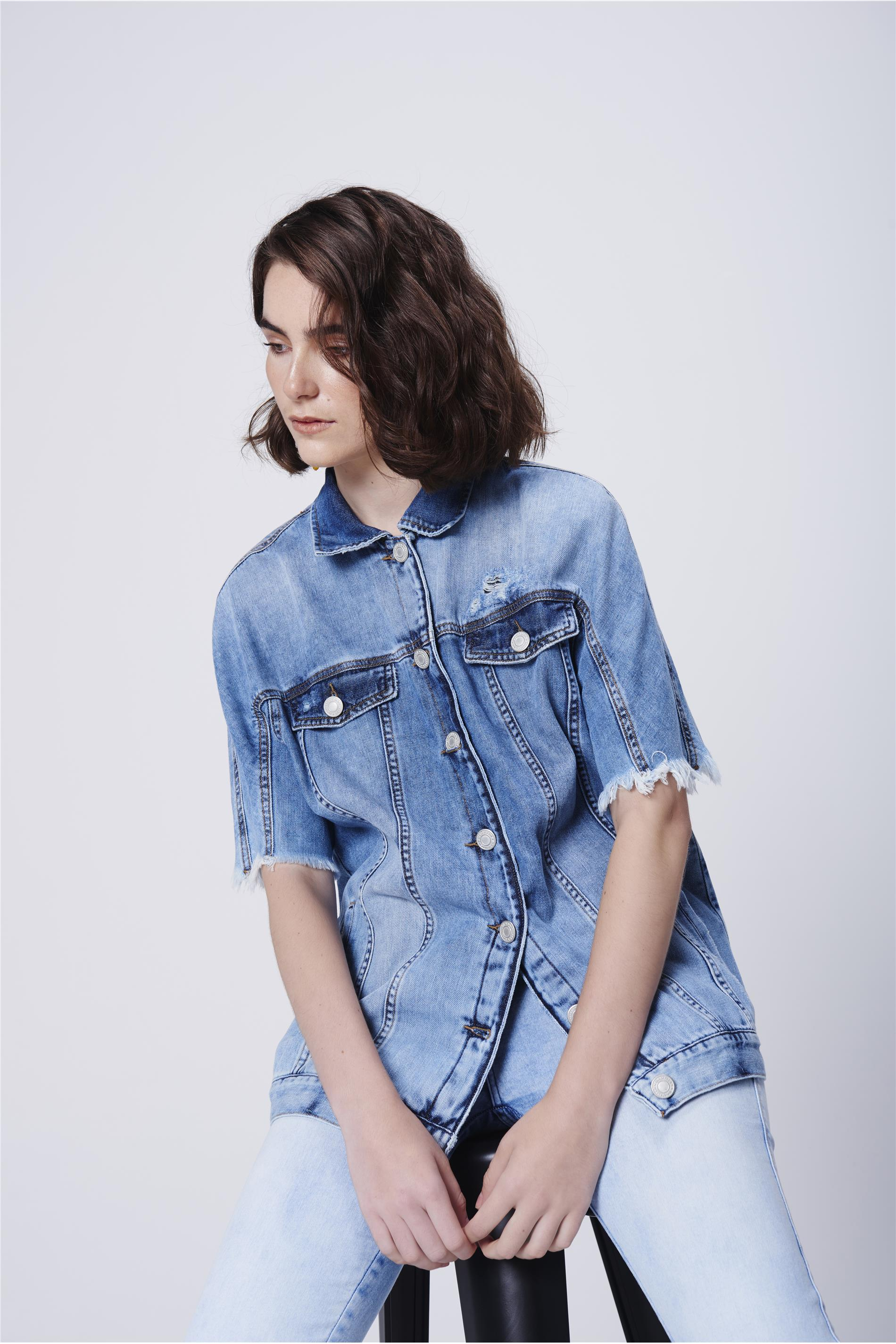 595af2de2c Jaqueta Jeans Feminina Manga Curta - Damyller