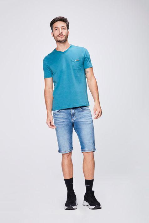 Camiseta-Gola-V-Basica-Masculina-Detalhe-1--