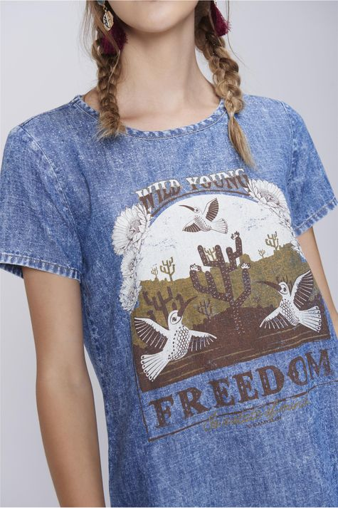 Camiseta-Feminina-Jeans-Estampa-Freedom-Detalhe--