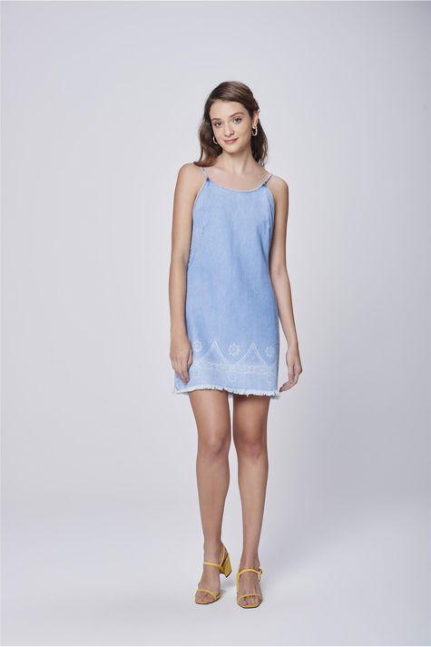 Vestido-Jeans-Curto-de-Alcinha-Detalhe-2--