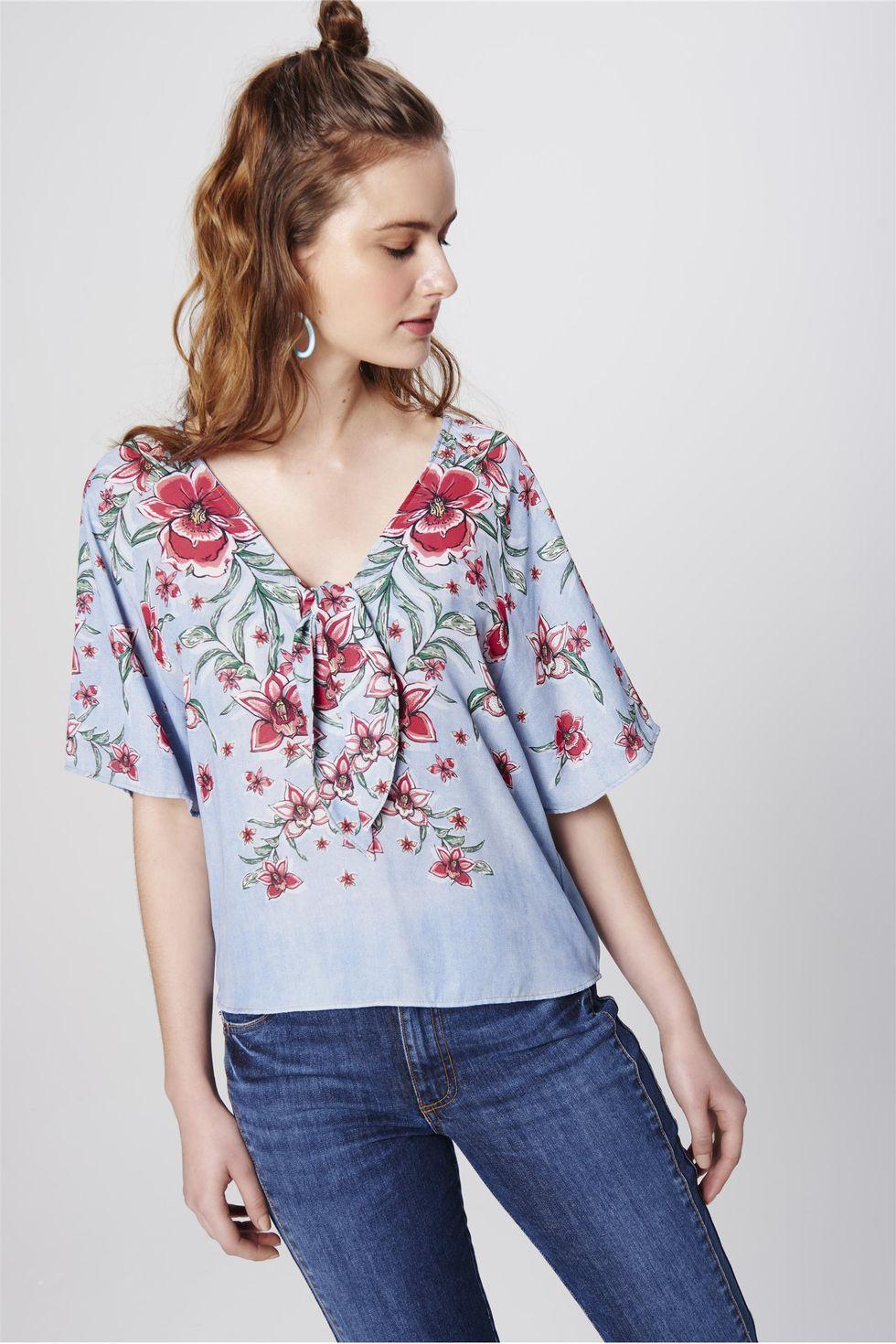 Blusa-Jeans-Feminina-com-Estampa-Floral-Frente--