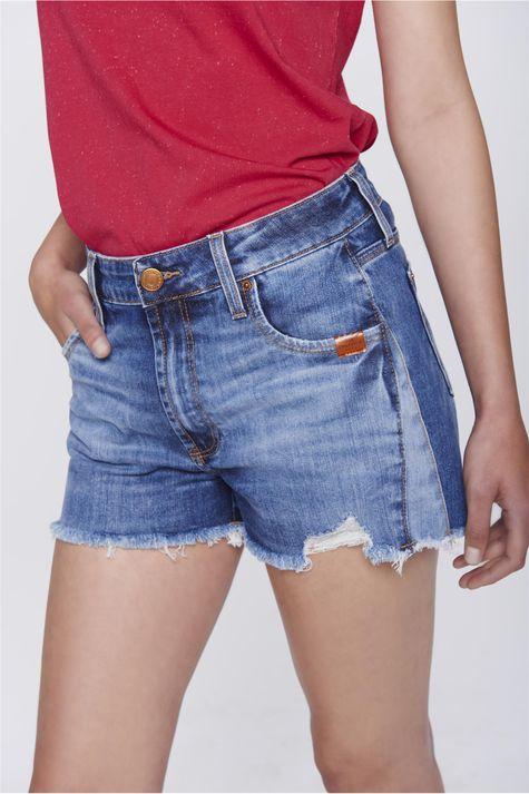 Short-Jeans-de-Cintura-Alta-com-Recortes-Detalhe-1--