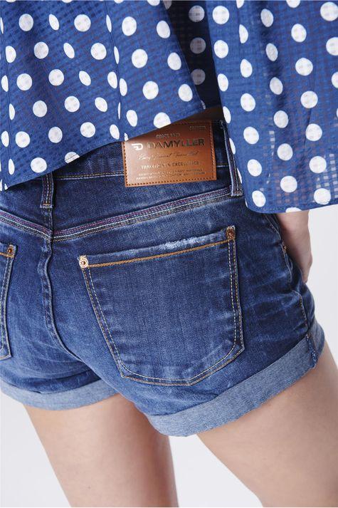 Short-Jeans-Solto-com-Barra-Dobrada-Detalhe--