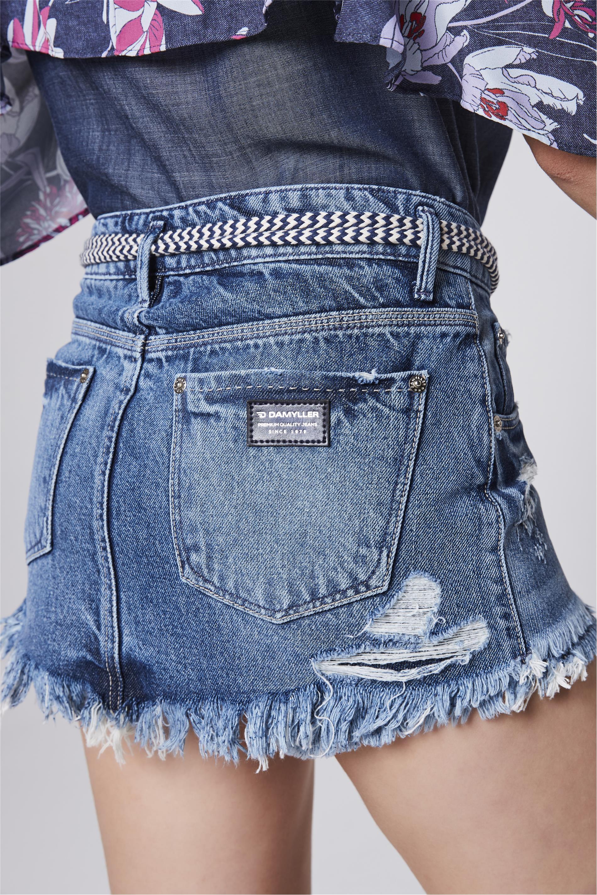 f8acbc6448 Short Saia Jeans com Cinto de Cordão - Damyller