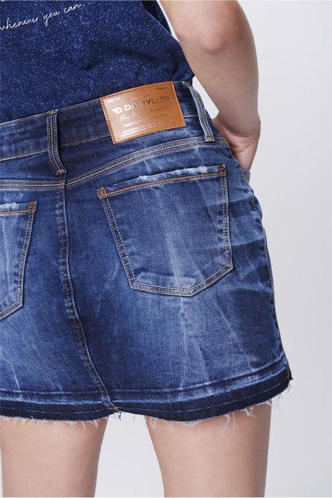 Saia-Jeans-com-Barra-Desfiada-Detalhe--