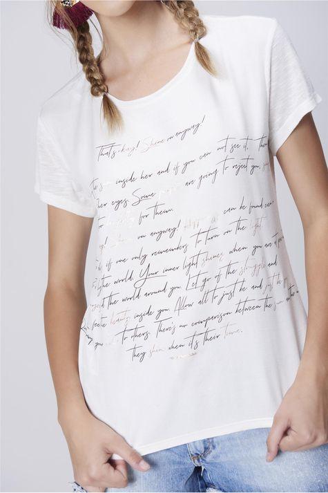 Camiseta-Feminina-Malha-Flame-Estampada-Detalhe--