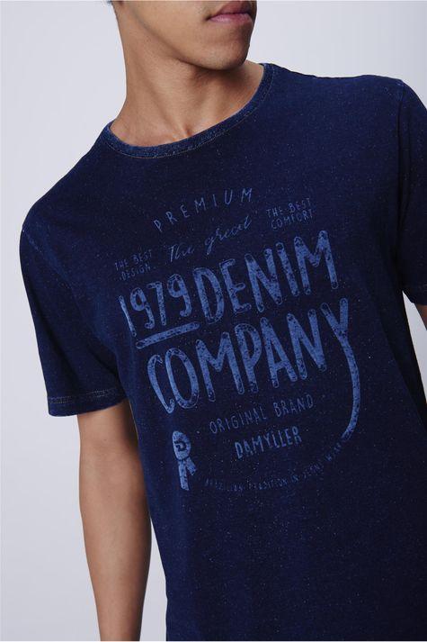 Camiseta-Masculina-Malha-Denim-Detalhe--