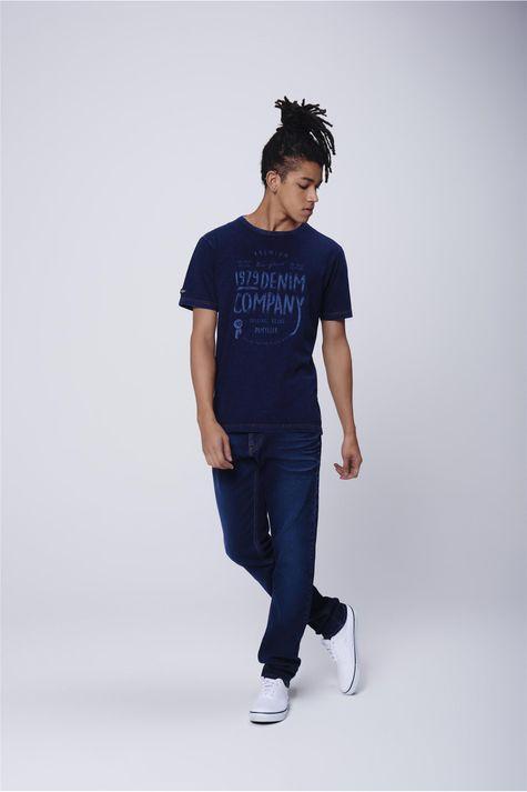 Camiseta-Masculina-Malha-Denim-Detalhe-1--