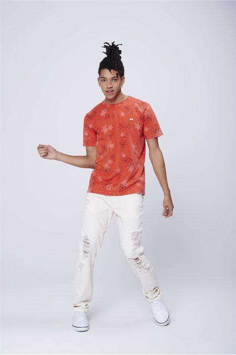 Camiseta-Masculina-Estampa-Floral-Detalhe-1--