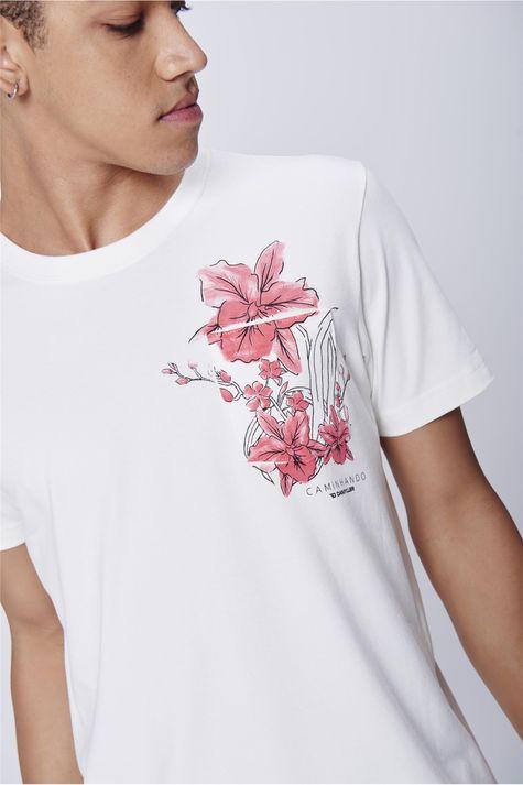 Camiseta-Masculina-Estampa-Bolso-Detalhe--