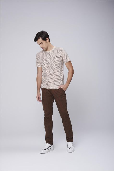 Camiseta-Masculina-Estampa-Repeticao-Detalhe-1--