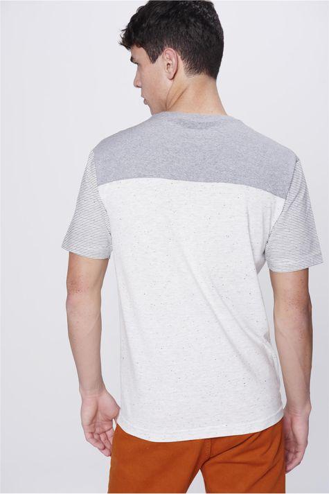 Camiseta-Masculina-com-Recorte-Costas--
