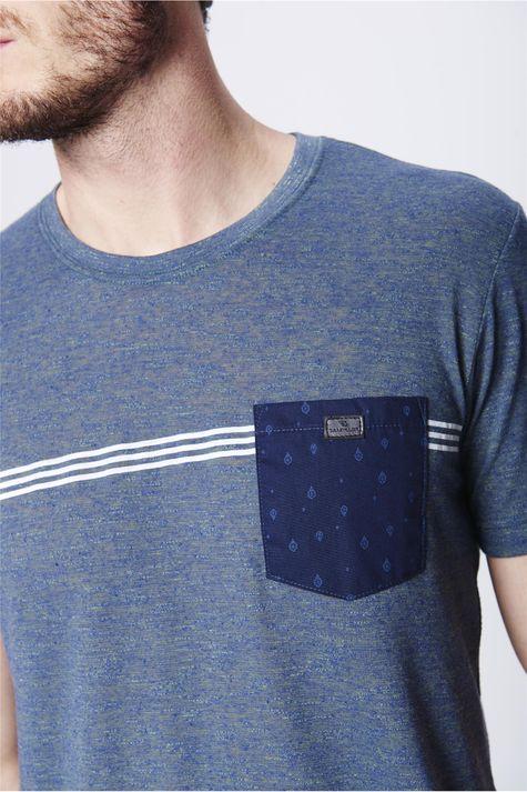 Camiseta-Fit-com-Bolso-Frontal-Masculina-Detalhe--