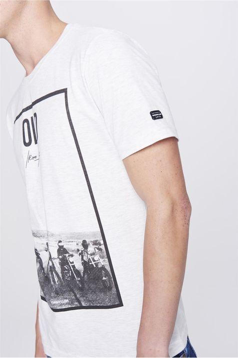 Camiseta-Malha-Mescla-Masculina-Detalhe-1--