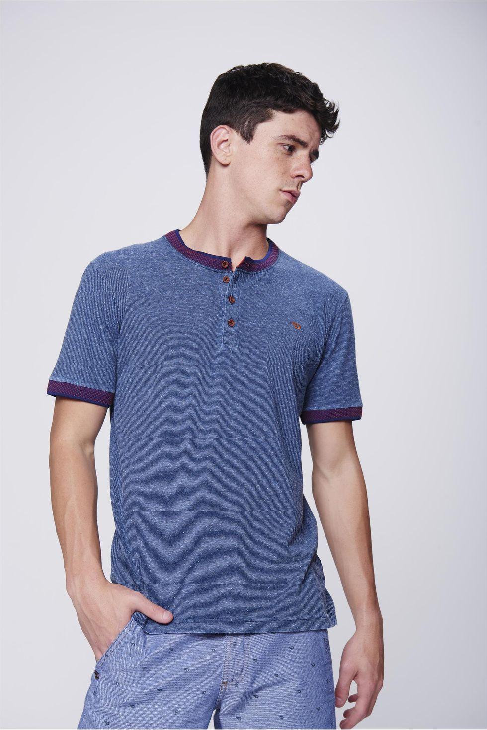 Camiseta-College-com-Botoes-Masculina-Frente--