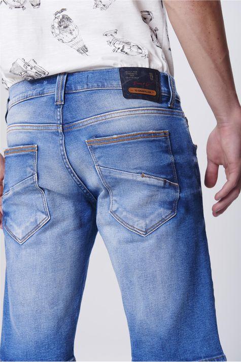 Bermuda-Jeans-com-Recorte-nos-Bolsos-Detalhe--