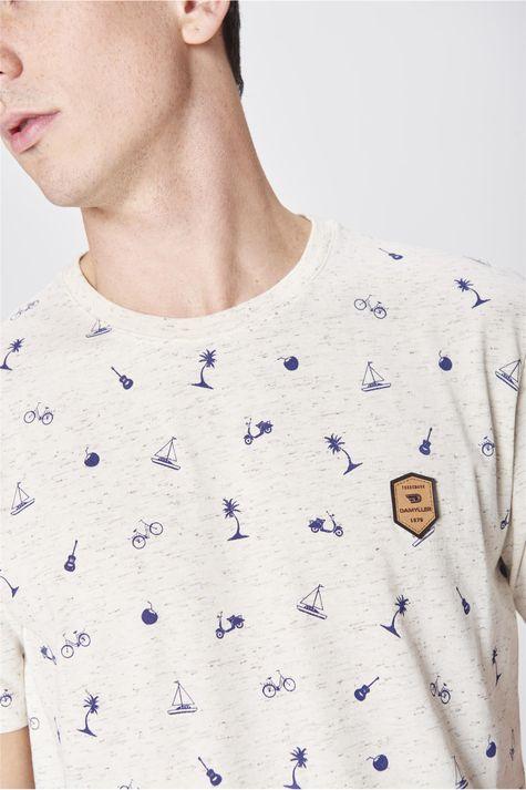 Camiseta-Estampa-de-Repeticao-Masculina-Detalhe--