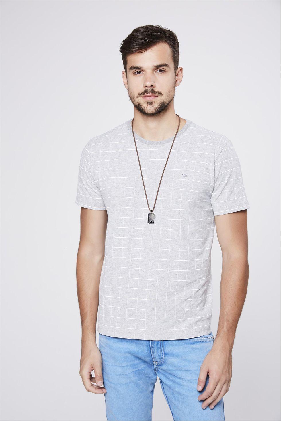 Camiseta-Cinza-Mescla-com-Estampa-Xadrez-Frente--
