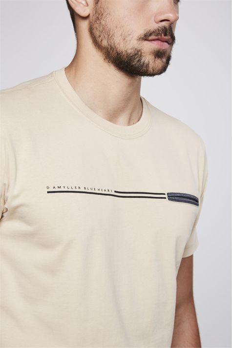 Camiseta-Basica-com-Bolso-Masculina-Detalhe--