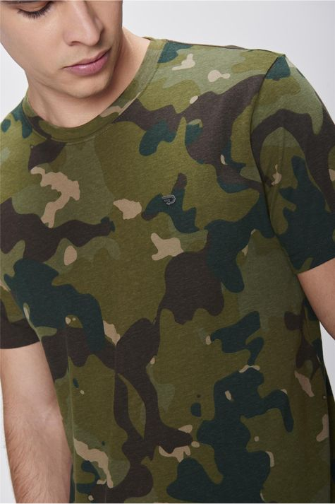 Camiseta-Camuflada-Masculina-Detalhe--