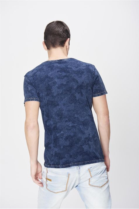Camiseta-Fit-Camuflada-de-Malha-Denim-Costas--