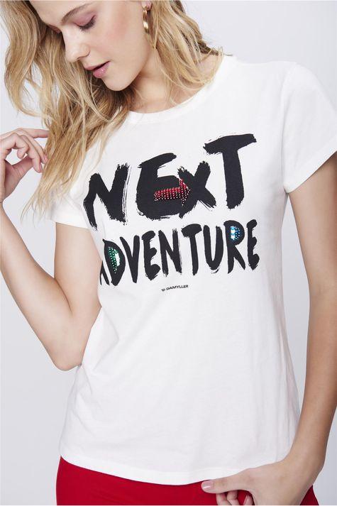 Camiseta-Estampada-com-Paetes-Feminina-Detalhe--