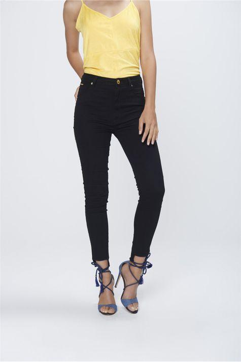 Calca-Cropped-Jeans-Preto-Cintura-Alta-Frente-1--