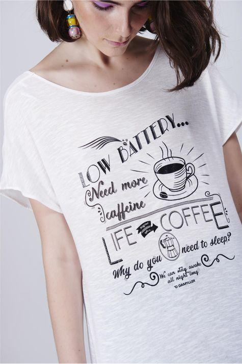 Camiseta-Estampada-Decote-Costas-Detalhe--