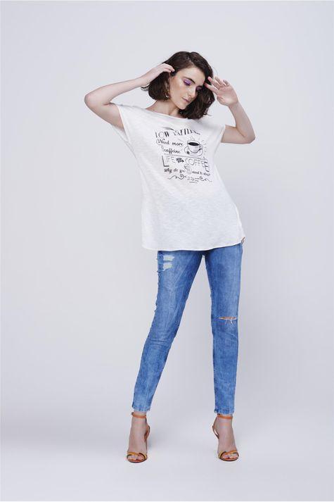 Camiseta-Estampada-Decote-Costas-Detalhe-1--