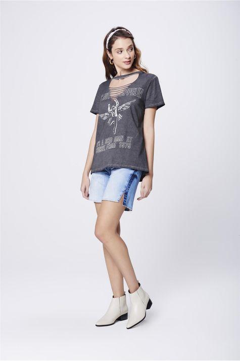 Camiseta-com-Recortes-no-Decote-Feminina-Detalhe-1--