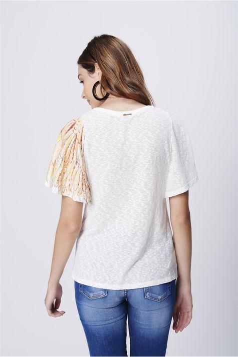 Camiseta-com-Mangas-Amplas-Feminina-Costas--