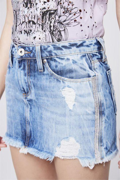 Saia-Jeans-Destroyed-com-Aplicacoes-Detalhe--