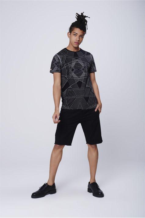 Camiseta-Unissex-Estampa-Geometrica-Detalhe-2--