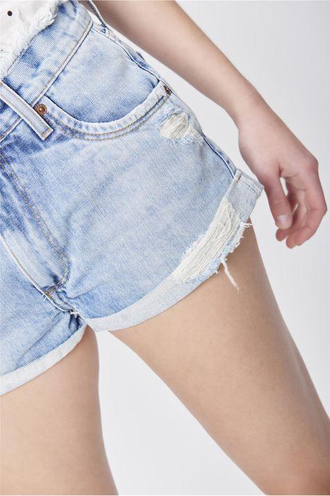 Short-Jeans-com-Cos-Desfiado-Detalhe--