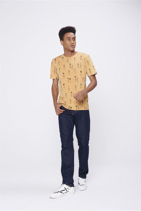 Camiseta-Unissex-Estampa-Repeticao-Detalhe-1--