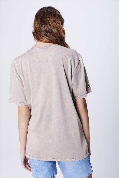 Camiseta-Tingida-Estampada-Unissex-Costas--