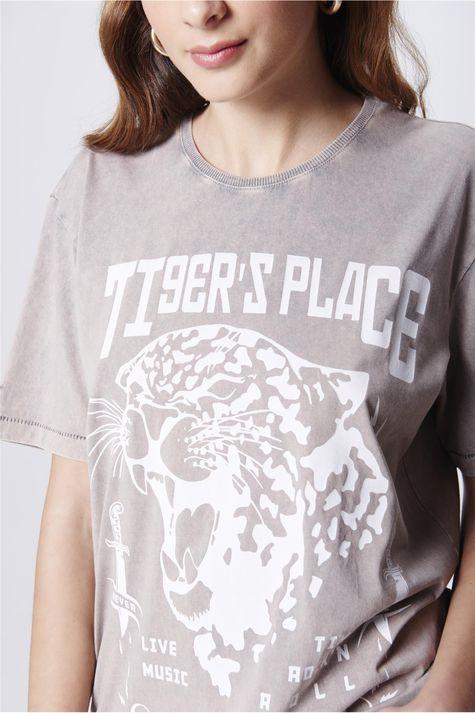 Camiseta-Tingida-Estampada-Unissex-Detalhe--