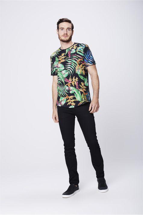 Camiseta-com-Estampa-Floral-Unissex-Detalhe-2--