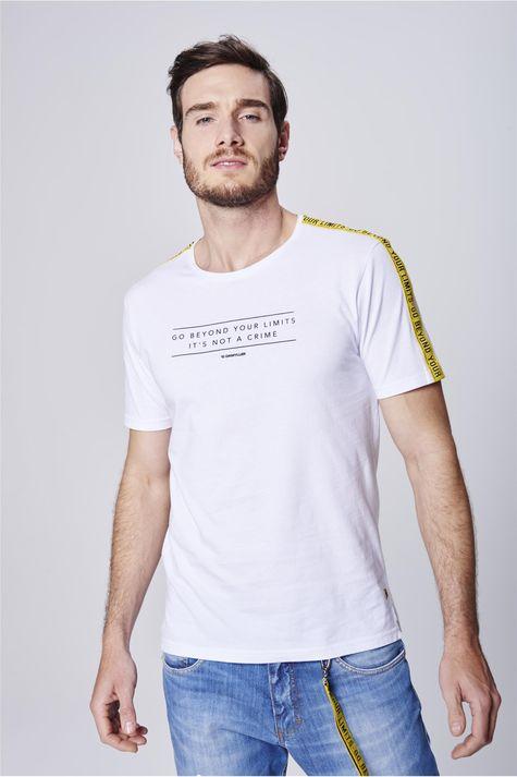 Camiseta-com-Faixas-nas-Mangas-Frente--