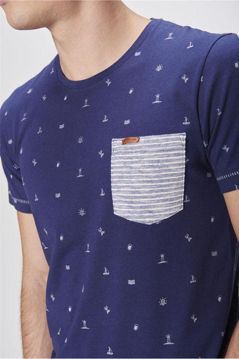 Camiseta-Estampada-com-Bolso-Masculina-Detalhe--