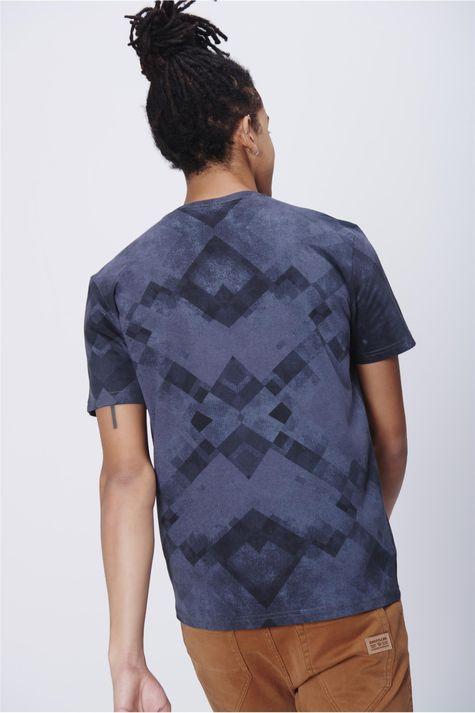 Camiseta-Masculina-Estampa-Geometrica-Costas--
