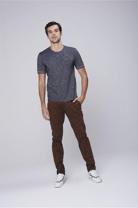 Camiseta-Masculina-Mangas-com-Retilinea-Detalhe-2--