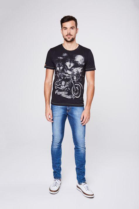 Camiseta-Estampada-Unissex-Detalhe-2--