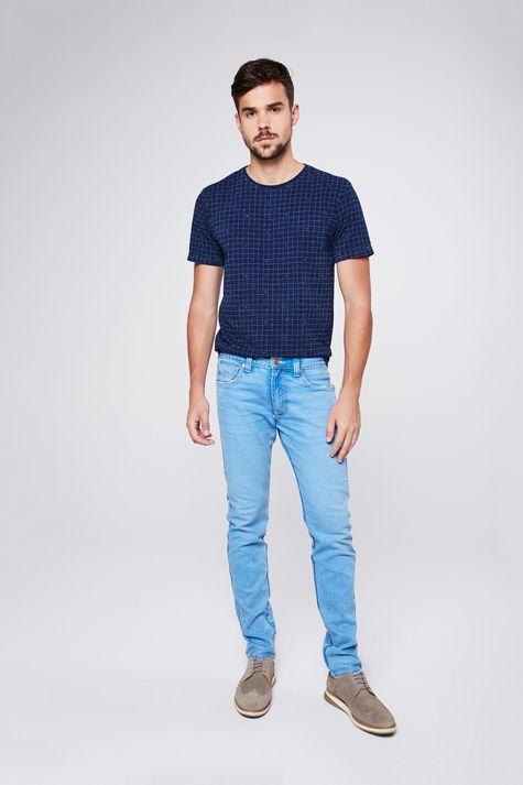 Camiseta-de-Malha-Denim-com-Print-Xadrez-Detalhe-2--