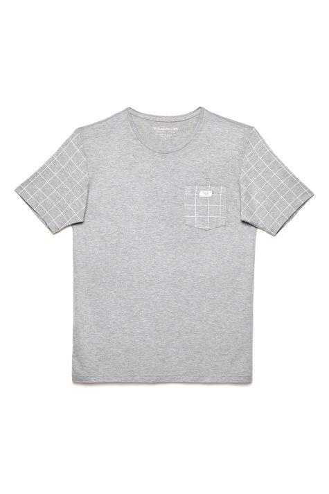 Camiseta-Cinza-com-Detalhes-Xadrez-Detalhe-Still--