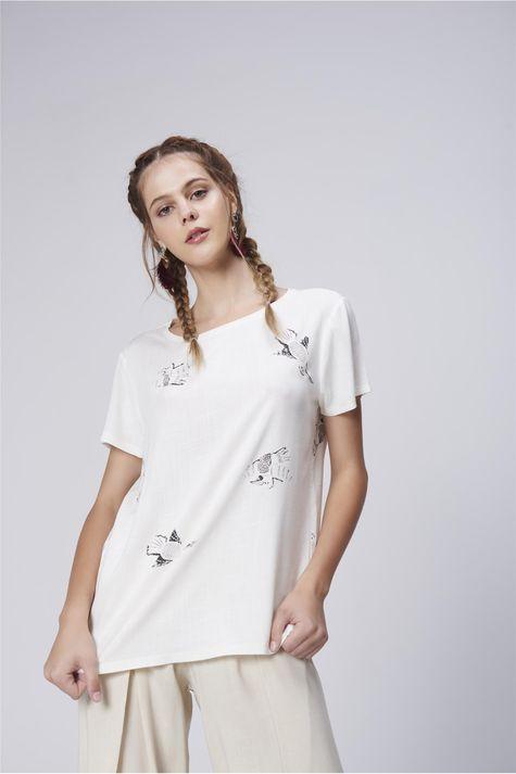 Camiseta-Feminina-Estampa-Repeticao-Frente-1--