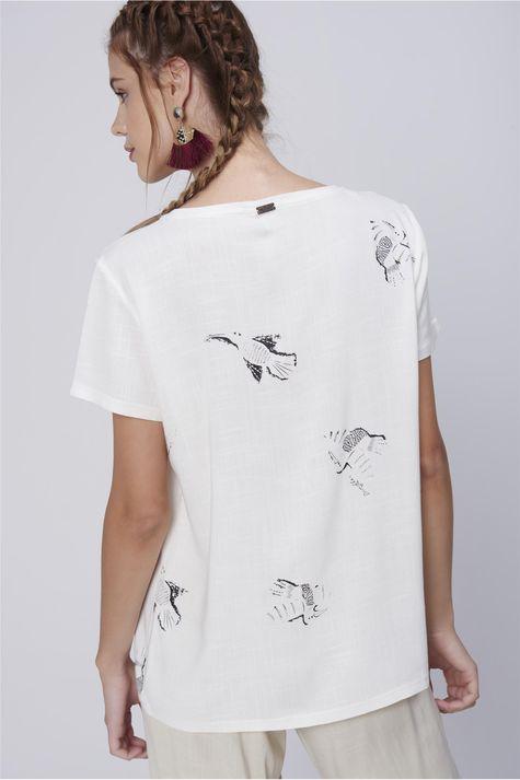 Camiseta-Feminina-Estampa-Repeticao-Costas--